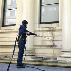 очистка фасада после ремонта